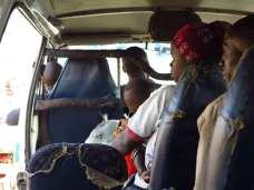 Voller Minibus in Uganda