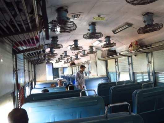 Zugabteil in Indien