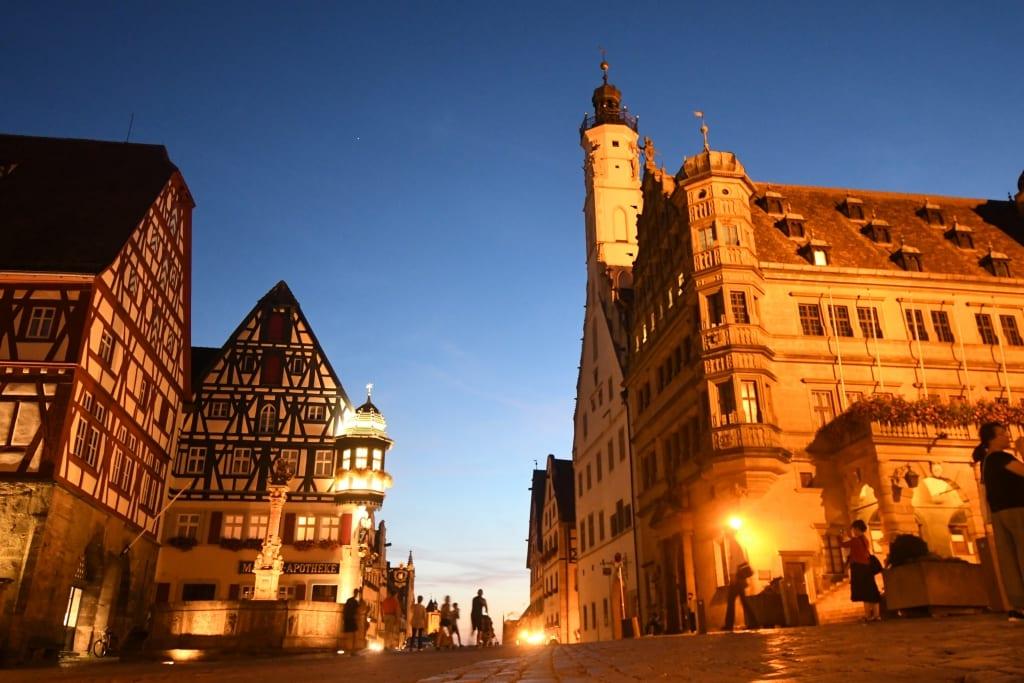 Altstadt von Rothenburg ob der Tauber im Abendlicht
