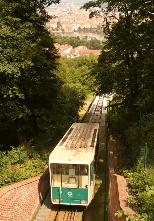 Standseilbahn auf dem Petřín-Hügel