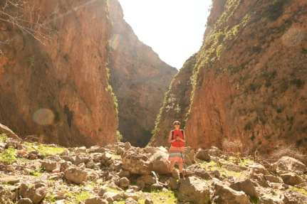 Wanderin in der Aradena-Schlucht
