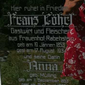 Grabstein mit deutscher Inschrift in Tschechien