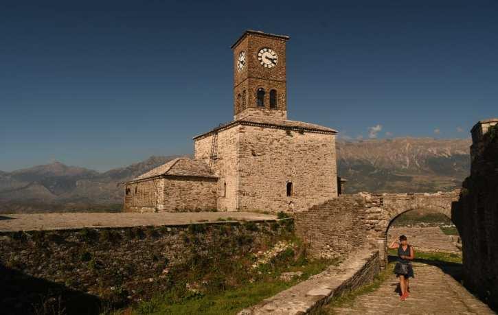 Historische Kirche auf einem Berg