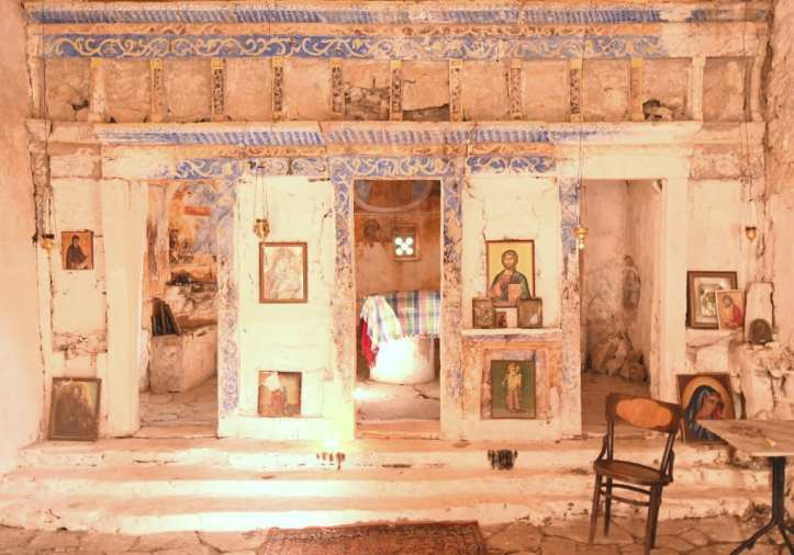 Kirche mit Fresken und Ikonen