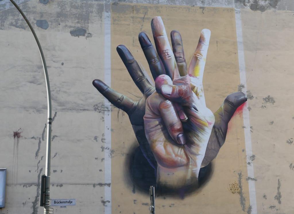 Mural mit zwei Händen