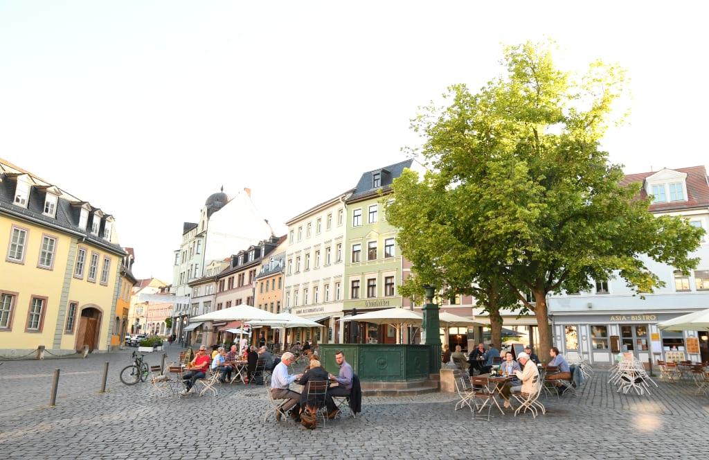 Schöner Platz einer historischen Stadt