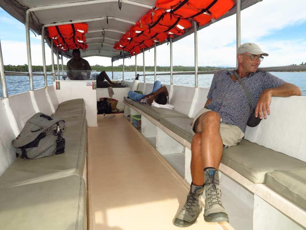 Mann in einem Boot