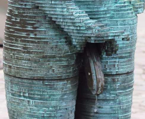 Bronzestatue männliches Glied