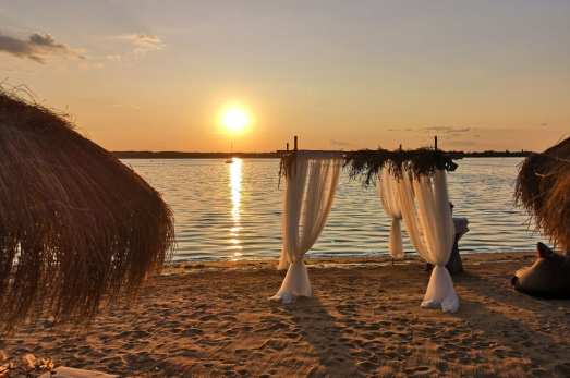 Sonnenuntergang an einem Strand