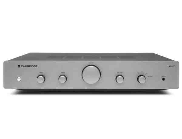 Cambridge Audio AXA25 è un amplificatore integrato bicolore vista frontale