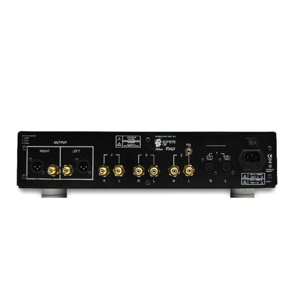 Eam Lab Studio C10 è un preamplificatore retro