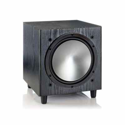 Monitor Audio Bronze W10 è un subwoofer nero aperto