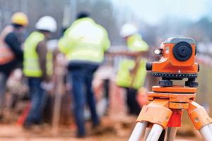 Construction-site-surveyor_600_400