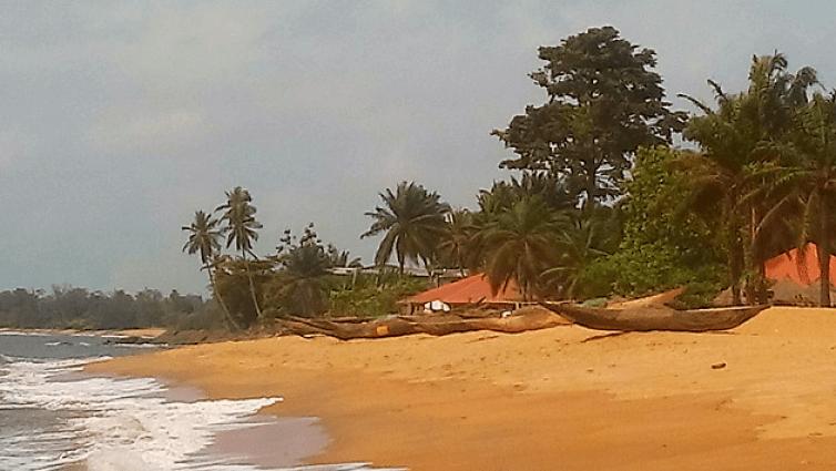 Kribi, localité camerounaise où est installée la première base aérienne du GMC 1, le Groupe Mixte de Combat n°1 des Forces aériennes françaises libres, à l'automne 1940. L'objectif de l'opération est de conquérir le Gabon, territoire de l'Afrique équatoriale française resté fidèle à Vichy.