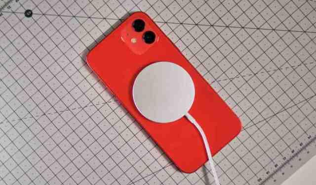 Quel chargeur sans fil pour iPhone 12 mini ?