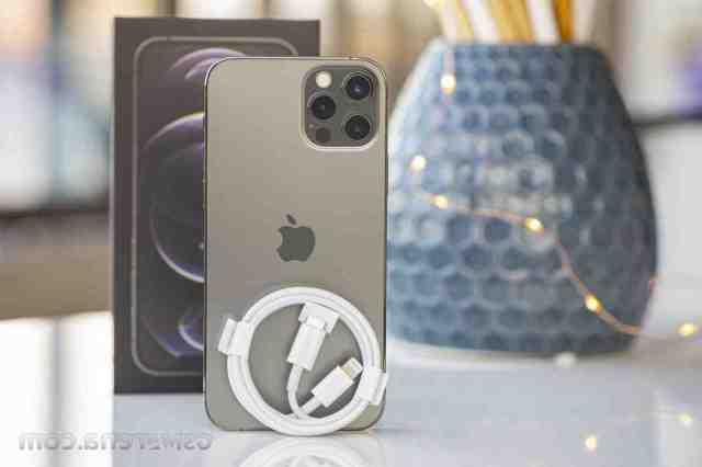 Quel type de chargeur pour iPhone 12 Pro ?