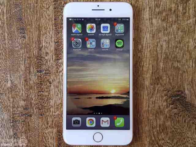 Quelle année est sorti l'iPhone 8 ?