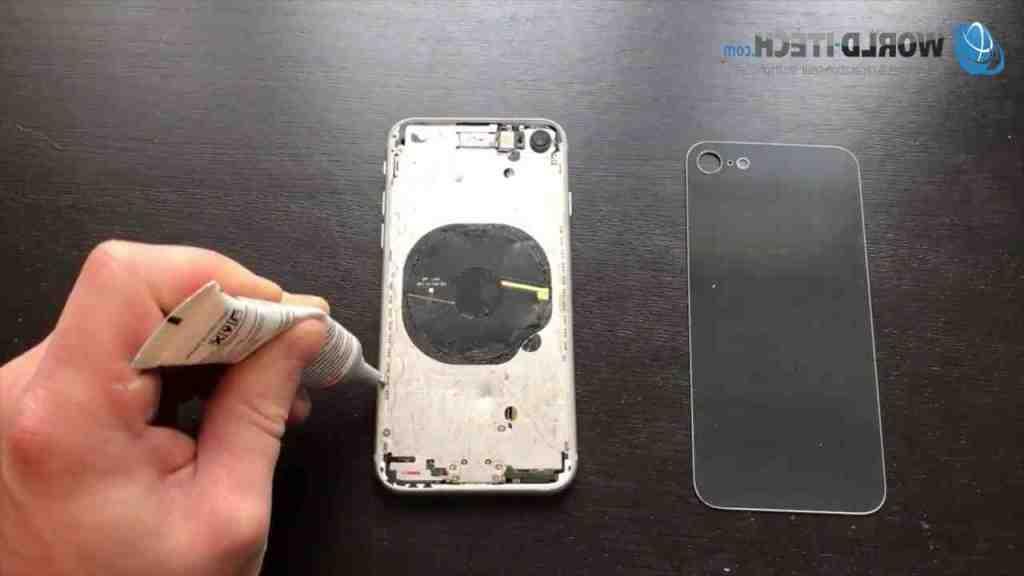 Remplacement de la vitre arrière de l'Iphone 8 plus