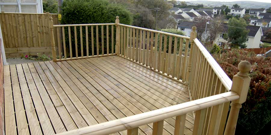 Decking installation in Northamptonshire