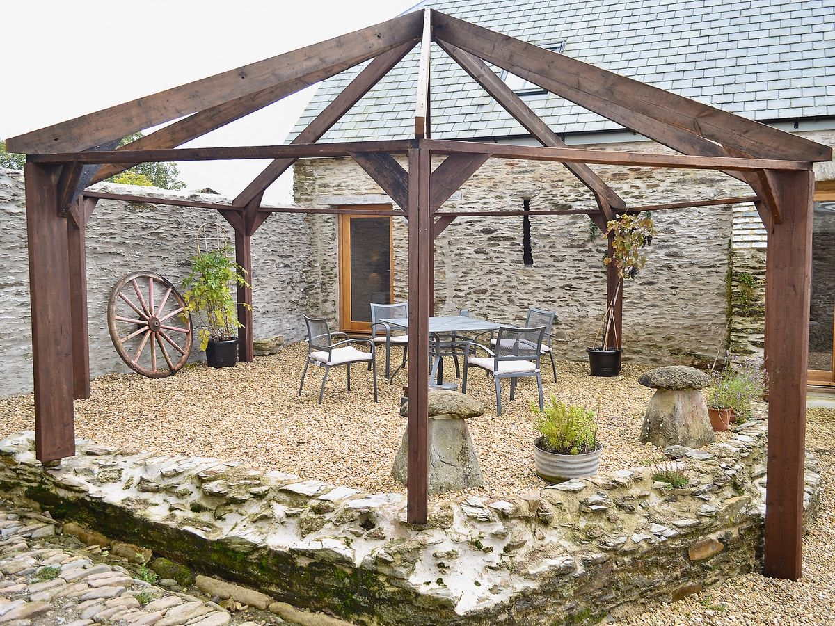 Threshing Barn Patio Area