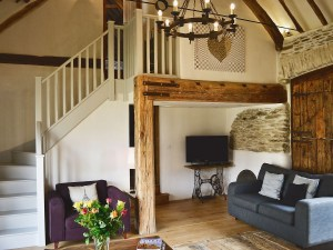 Higher Patchole Holiday Cottages - Threshing Barn sitting room