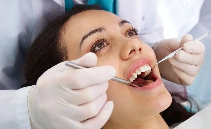 How To Stop Teeth And Gum Problems In Their Tracks: Advice From Pro Dentists In Edgbaston, Birmingham