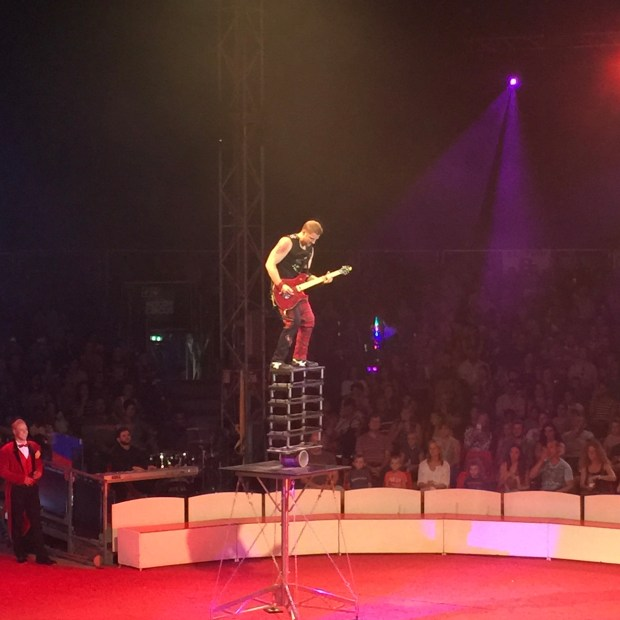 Great Moscow Circus - balance