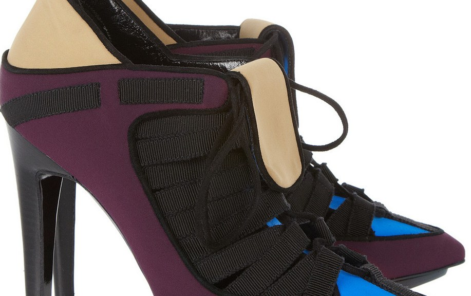 Neoprene shoes