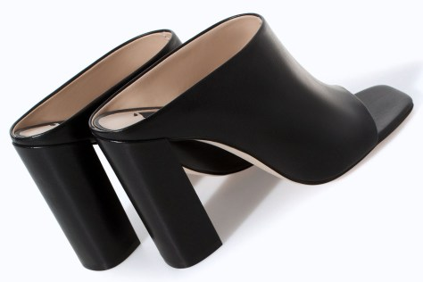 Black-Leather-Mules