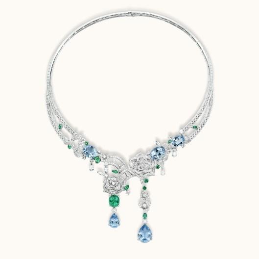 Piaget Rose Passion necklace White gold, diamonds, emeralds, aquamarines