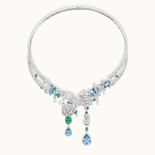 Piaget Rose Passion necklace White gold, diamonds, emeralds, aquamarines