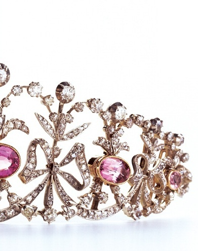 Diamond and pink topazes « Bowknot » tiara, Joseph Chaumet, circa 1890. Collection Chaumet Paris.