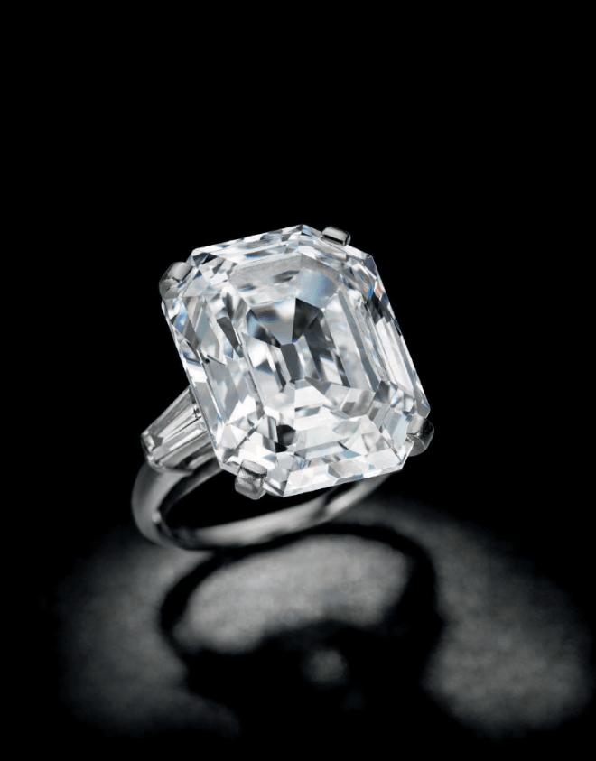 Rectangular-cut E colour, VVS2 Diamond Ring.