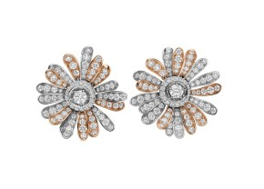 High Jewellery earrings in white and pink gold with 2 round brilliant cut diamonds (0.81 ct) and pavé diamonds (7.31 ct).