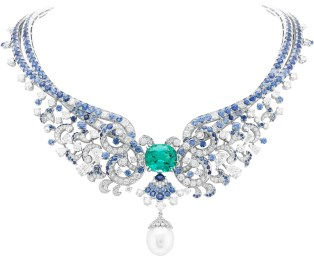 Clapotis Necklace. White gold, round and pear-shaped diamonds, sapphires, one white cultured pearl, one cushion-cut green tourmaline of 15.73 carats. The pendant is detachable.