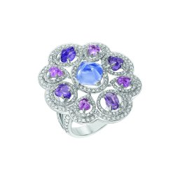 """Charismatique"""" ring in 18K white gold set with a 2-carat sugarloaf-cut blue tanzanite, 4 baroque-cut violet sapphires for a total weight of 1.9 carat, 4 baroque-cut pink sapphires and 314 brilliant-cut diamonds for a total weight of 1.1 carat. CHANEL Joaillerie"""
