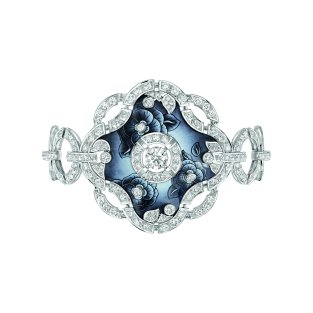 """""""Fascinante"""" bracelet in 18K white gold set with 277 brilliant-cut diamonds for a total weight of 8.5 carats and enamel. CHANEL Joaillerie"""