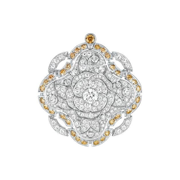 "Brooch of the ""Particulière"" necklace - ""Particulère"" necklace in 18K white gold set with an 11.6-carat brilliant-cut fancy dark yellow brown diamond, a 2.2-carat brilliant-cut diamond, 83 brilliant-cut brown diamonds for a total weight of 2 carats and 1129 brilliantcut diamonds for a total weight of 23.7 carats. CHANEL Joaillerie"