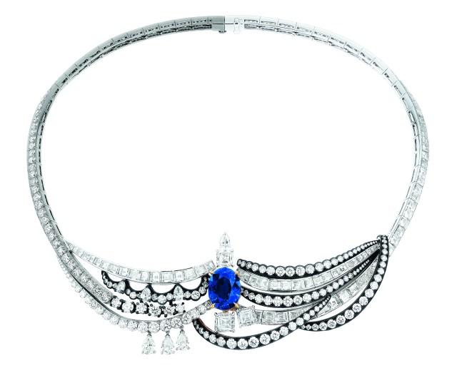 chambre-du-roi-necklace