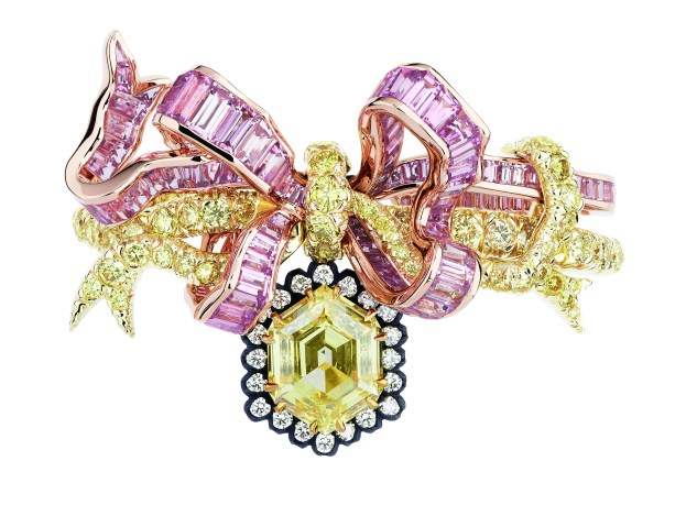 salon-de-labondance-diamant-jaune-ring