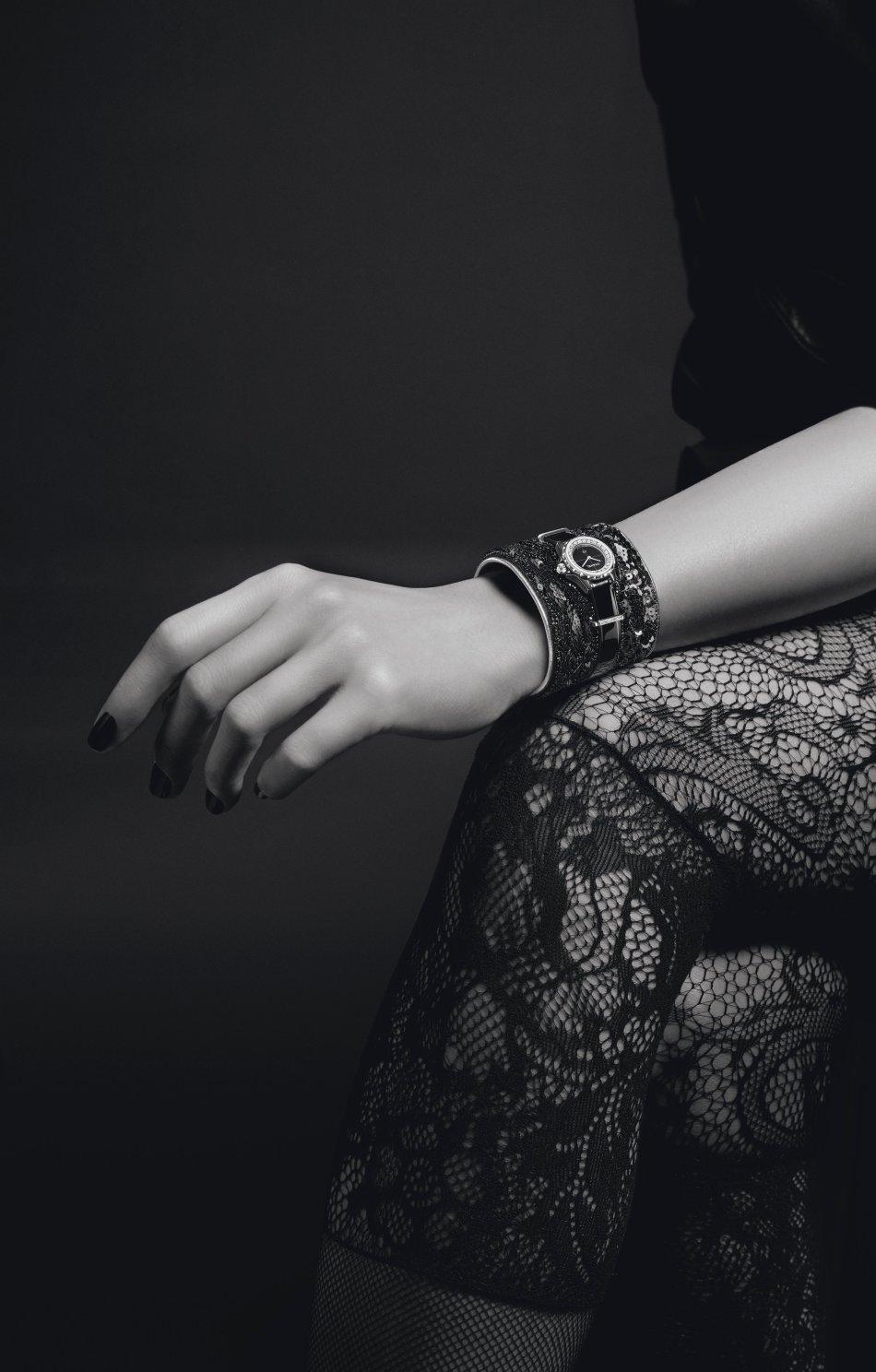 Chanel J12 XS Manchette Lesage Noire