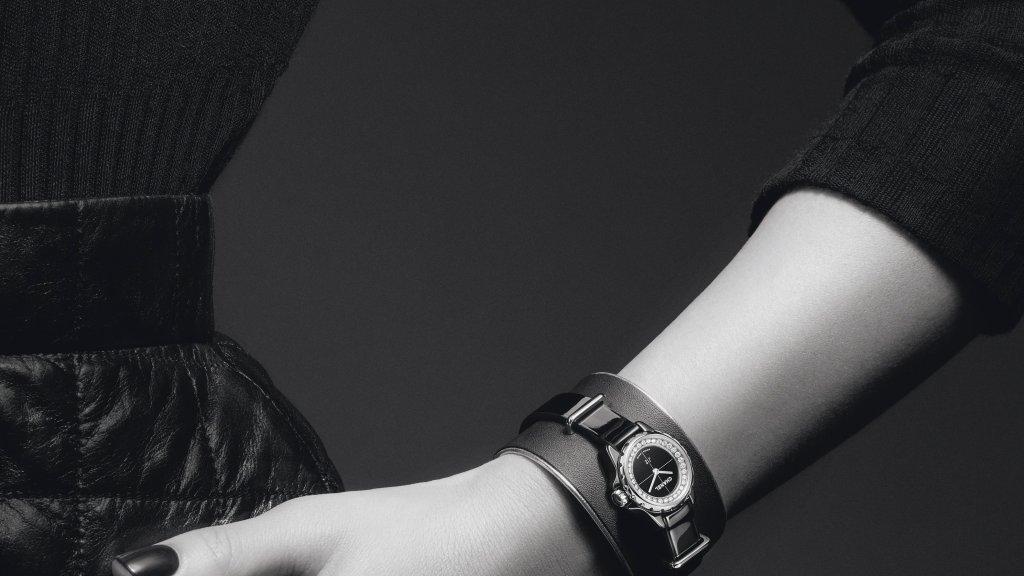 j12xs_manchette-noire-petit-modele
