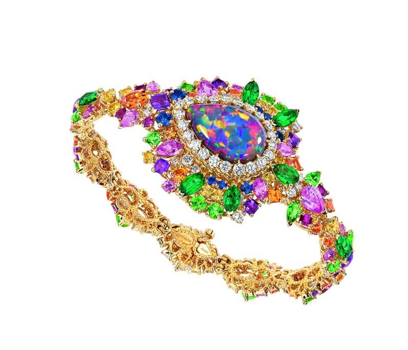 majestueuse-opal-high-jewellery-timepiece-3