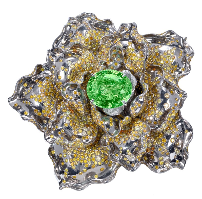 Moussaieff - Yellow diamond and chrysoberyl brooch