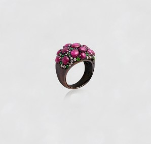 Alexander Tenzo - Star Ruby Ring - Demontoids and Diamonds - Yellow Gold and Silver. Black Rhodium