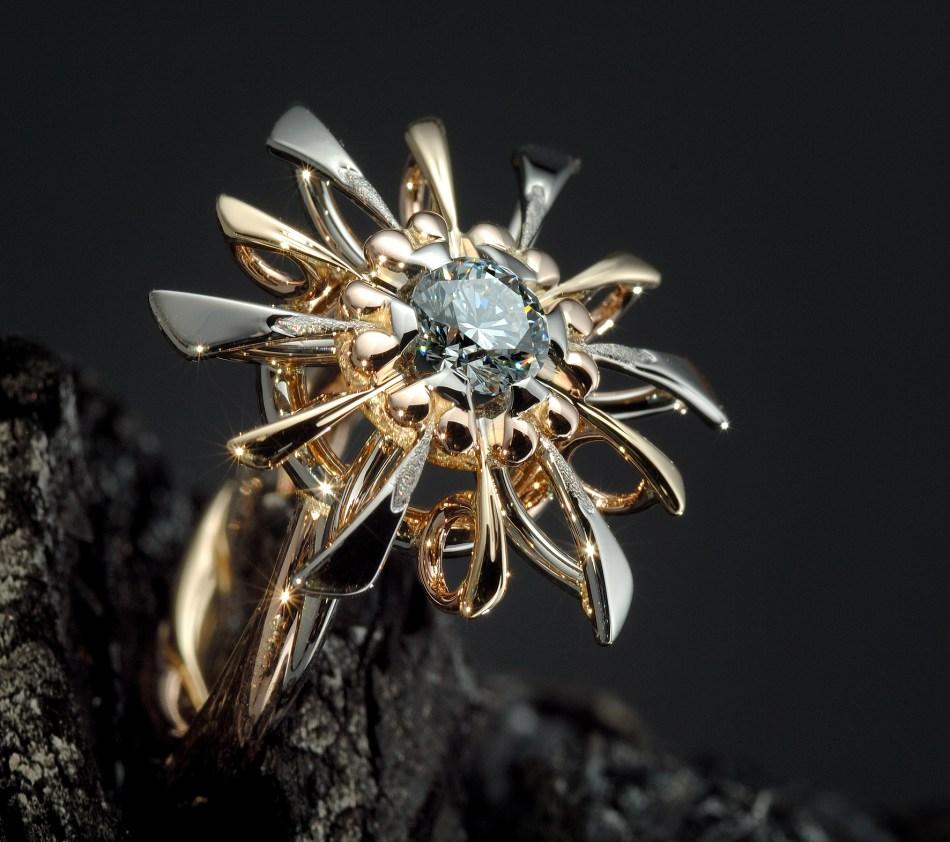 GemGeneère Pierre d'Alexis - Fleur cosmique လက်စွပ်