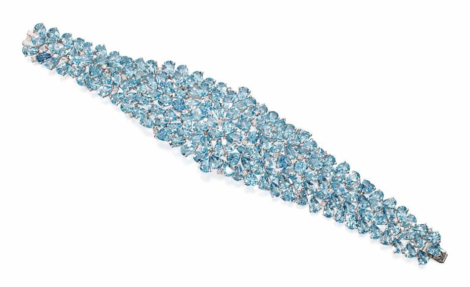Lot 134 (aquamarine_and_diamond_bracelet)