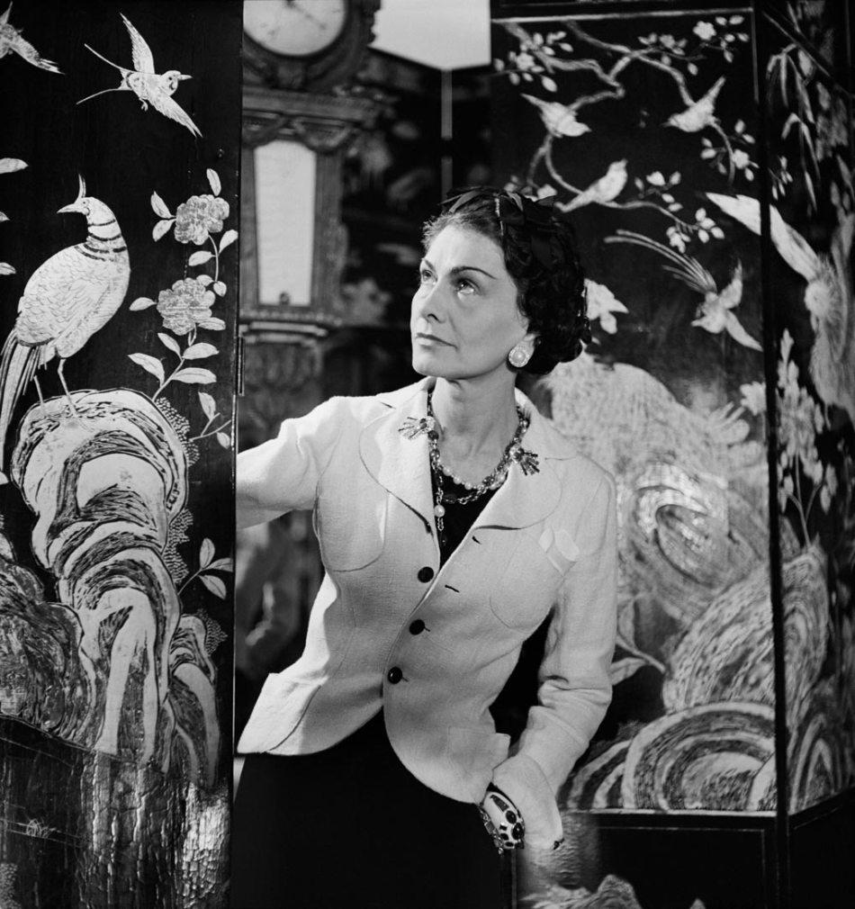 1937 - ဓာတ်ပုံ - Lipnitzki-Coco-Chanel-Coromandel-Screenshot