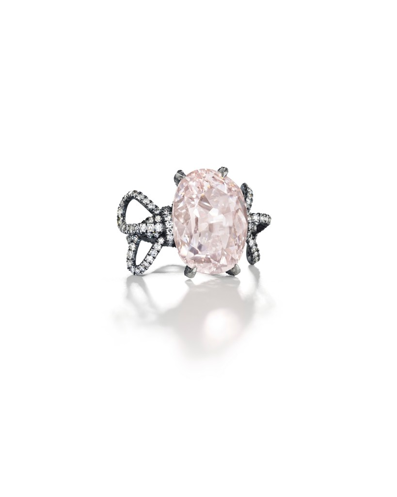 Lot-147_THE-PINK-GOLCONDA-DIAMOND-A-COLORED-DIAMOND-AND-DIAMOND-RING-JAR