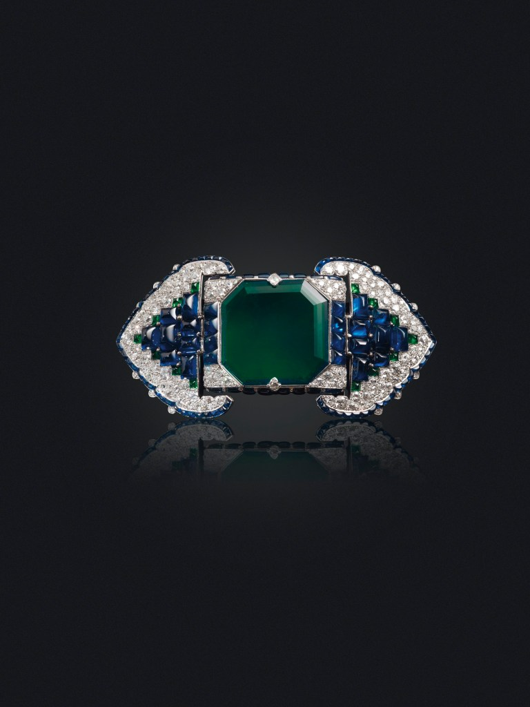 Lot-228_An-Art-Deco-Emerald-Sapphire-and-Diamond-Belt-Buckle-Brooch-Cartier